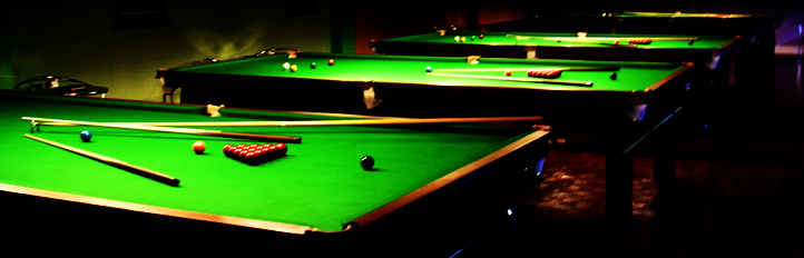 New World Snooker Club - English pool table